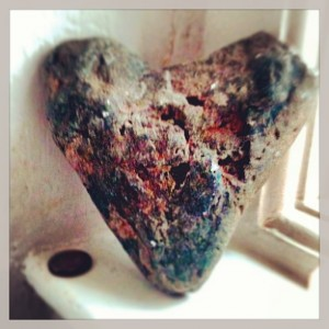 Pebble Valentines heart at Mellulah