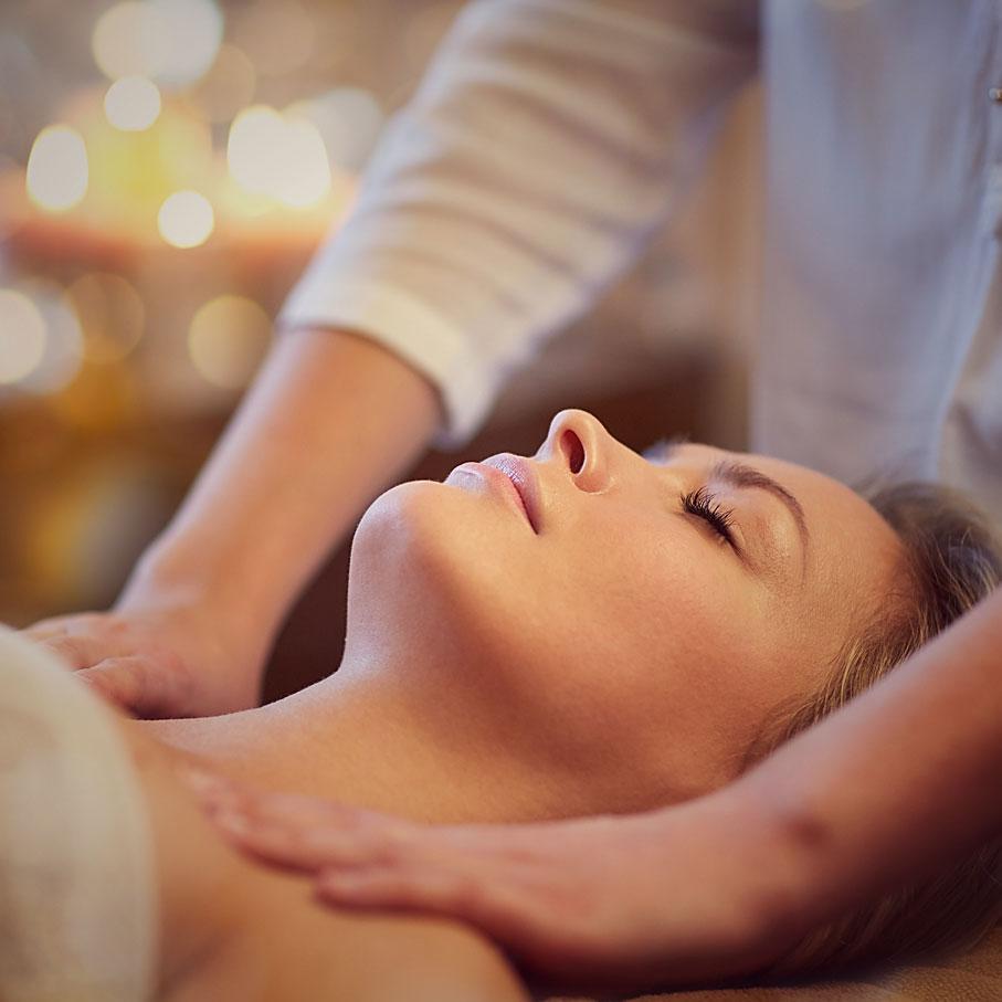 holistic therapy   Reiki Healing   Aromatherapy Massage   Reflexology